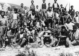 Κρήτες αγωνιστές (από το Mουσείο Μάχης Κρήτης και Εθνικής Αντίστασης)