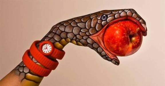Body-Painting-Guido-Daniele-Mains-Toy-Watch-03