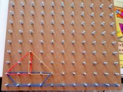 δύο τρίγωνα και ένα ανάποδο τραπέζιο...καραβάκι στο Αιγαίο...